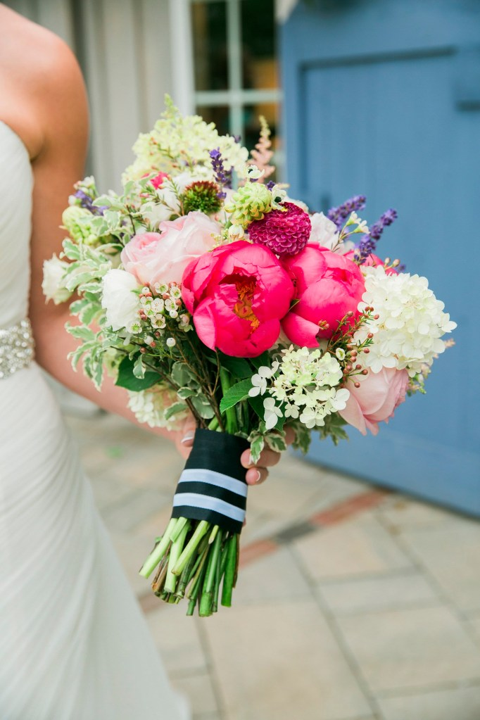 Marianmade-Farm-Bouquet-by-Meredith-Brockington